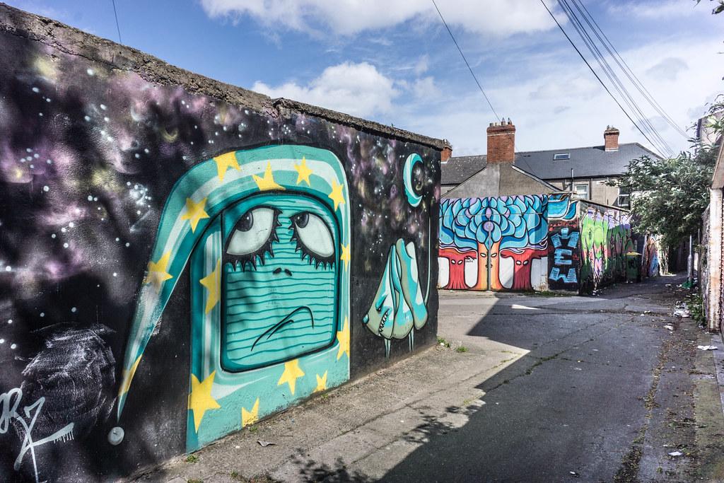 STREET ART IN DUBLIN - CABRA PARK URBAN GALLERY [A REALLY UGLY LANE]-104078