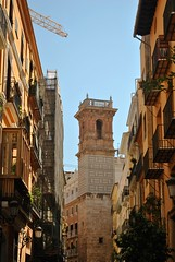 Valencia (Miruccio96) Tags: espana spain spagna colour colourfull valencia travel travelling street photograph torre city town cathedral dome cupola