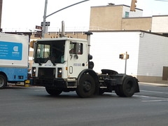 USPS Mack MR (JLaw45) Tags: new york united states nyc city urban metro road street northeast america state north metropolis vehicle midtown mid town manhattan island avenue big apple metropolitan area usa queens far rockaway ny borough mack mr cabover domestic american postal service usps usmail mail delivery transit transport 4x2 commercial heavy duty deliver white red blue postman
