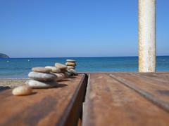 Pigadhia beach (SergioBarbieri) Tags: karpathos hellenicisland dodecaneso hellas  mare orizzonte spiaggia ombrellone