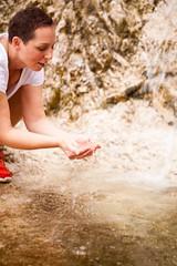 _MG_2390 (TobiasW.) Tags: wassertropfen waterdrops water wasser klareswasser clearwater drinkingwater trinkwasser
