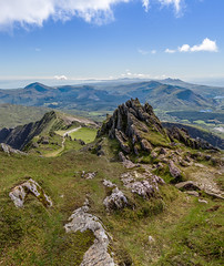 A Moment in Time (Leigh Cousins RAW) Tags: snowdon mountain snowdonia wales nationalpark summit south view landscape skyline rock cliff