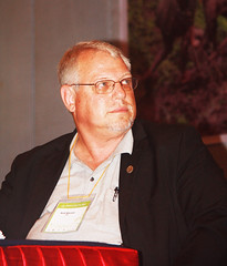 Moderator Rolf Klemm by