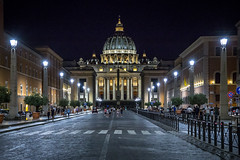 St. Peter's Basilica at Night (cpphotofinish) Tags: marcus agrippa square eos eos5dmk3 roma rome tourist turist travel usm image italy outdoor outside photo foto light lazio canon canonef canonredlable bilde mklll mk3 mark cpphotofinish italia carstenpedersen pantheon santangelo bridge via del corso streetphoto street ef24105mmf4lisusm night nightphoto