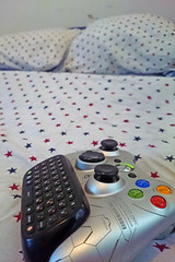 The Typical Gay Man's Bed Who Happens To Play Games And Has Psoriasis (Reg|Photography4Lyfe) Tags: cameraphone camera photography spread bed keyboard phone halo xbox pillows gaming gamer reach controller xboxcontroller bedspread 2015 phonephotography gaymer haloreach xperiaz1s bedporn