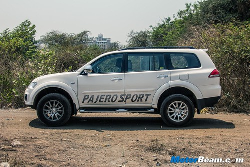 2015-Mitsubishi-Pajero-Sport-14