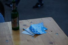 Fight for your right - mit einer Flasche Bier in der Hand
