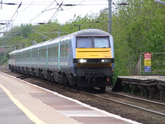 AGA 82127 heads the 1P28 1230 London Liverpool Street to Norwich service into Diss 14-05-15 (APB Photography™) Tags: station railway diss 82127 class82
