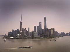 la Beaute de Shanghai (buch.daniele) Tags: building port landscape eau mauve asie chine shangha immeubles presquile mgapole danielebuch