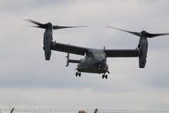CV22 Osprey arriving. (aitch tee) Tags: aircraft arrivals royalinternationalairtattoo tiltrotor raffairford cv22osprey riat2016 thursday7july2016