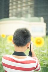little photographer(my son) (yako ma) Tags: nikon nikondf df digital makroplanar planar zeiss carlzeiss