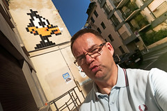 28/52 Duckface (Meteorry) Tags: europe france idf ledefrance paris spaceinvader spaceinvaders invader invaderwashere mur wall street rue art artderue pixels pa1189 daffyduck mural urban warnerbros looneytunes merriemelodies cartoon character duck canard texavery 52weeks 52semaines duckface visage face me moi perrytak male homme man guy fredperry fun sunday dimanche matin morning handheld selfportrait autoportrait selfie gzup july 2016 meteorry