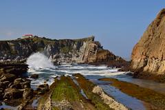 Playa de Arna (laura.garcia.gustems) Tags: costa quebrada arna olas rocas sea mar cantabrico cantabria acantilado farallones waves crashing