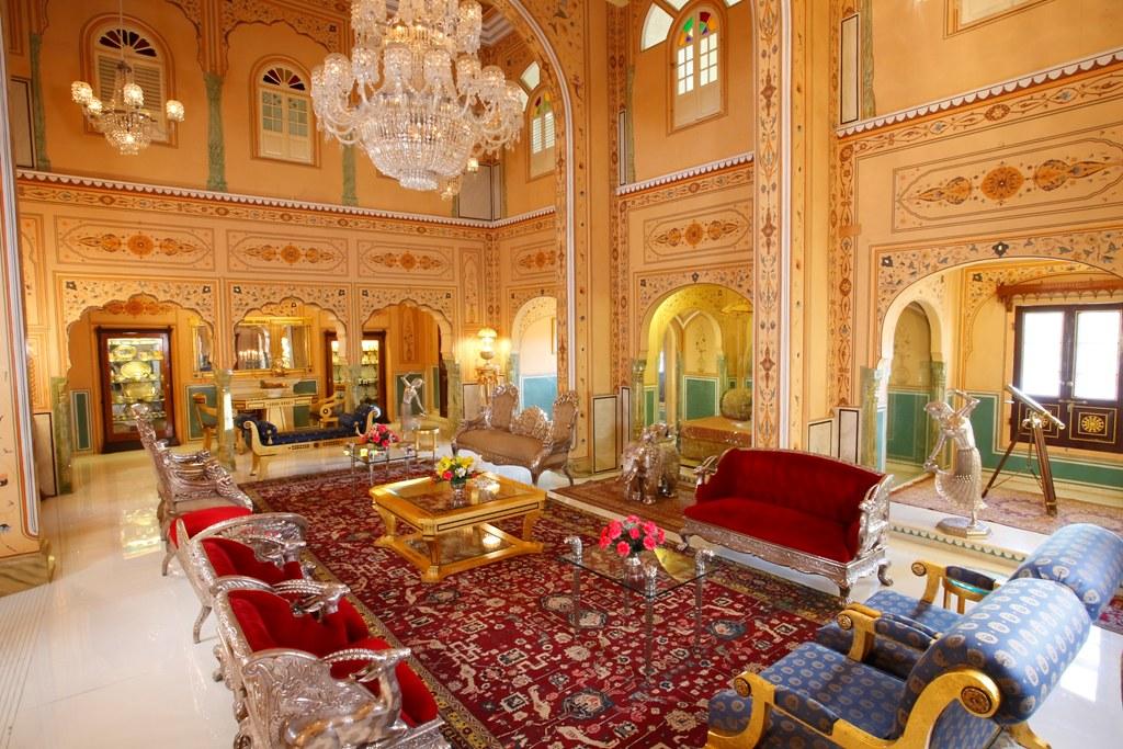 2Nội thất của phòng khách sạn Royal Penthouse khiến ai ai cũng phải choáng ngợp