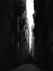 Barri Gtic (The Big Quack) Tags: barcelona bw architecture gothic catalonia gothicquarter iphone6