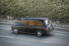Carbodies FX4 Snapseed (xwattez) Tags: road old france car automobile taxi voiture route british transports blagnac taxicab ancienne fx4 2015 vhicule anglaise carbodies