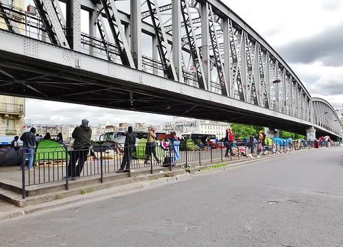 2015-05-28  Paris - Camp de migrants - 39 Boulevard de la Chapelle - Pont Saint-Ange - Gare du Nord - Métro