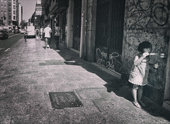 Life is my bubble (Niara Art) Tags: street streetphotography people child girl bubble childhood bw monochrome mood urban madrid spain summer city nikon d7100