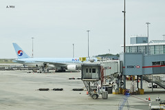 Korean Air on the tarmac (A. Wee) Tags: canada   vancouver airport  yvr