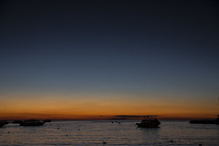 El da tambin termina en el Titikaka (ieradiaz) Tags: lago lake titikaka titicaca copacabana bolivia latin america latinoamrica south sudamrica atardecer sunset sol sun da day noche night barco boat agua water azul blue naranja orange