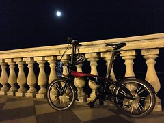 Night ride (Giovanni Ulivi) Tags: seasideterrace bicicletta bicipieghevoli faltrad nightride toskana terrazzamascagni toscana tuscany mycity holidays ferie livorno foldingbike bike tern
