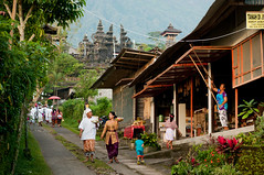 markets at besakih (Sam Scholes) Tags: travel vacation people bali shop architecture children indonesia temple store market religion shops hindu hinduism besakih rendang purabesakih mothertempleofbesakih easternbali