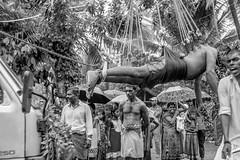 Tamil-SW-001 (gbauer211) Tags: srilanka prozession rituale hinduismus schmerzen tamilen