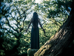 Lady of the Wood (i-r-paulus) Tags: woman girl beauty oak magic fantasy mystical themed magical dartmoor twisted mystic wistmanswood twistedoak naturallightportrait stuntedoaks