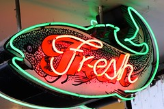 Fresh Fish (Laurence's Pictures) Tags: seattle chihuly tourism glass gardens see washington place dale market space things tourist needle pike monorail