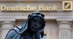 DEUTSCHE BANK (@LuPe) Tags: fmi deutschebank angelamerkel banche