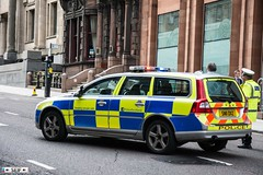 Volvo V70 Estate Glasgow 2016 (seifracing) Tags: investigation clear out real circumstance volvo v70 estate glasgow 2016 spotting seifracing scotland services cops vehicles voiture britain british rescue recovery transport traffic police polizei polizia policia