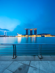 Break of Dawn (yimING_) Tags: canoneos5dsr canoneos5ds cityscape landscape architecture building canontse17mmf4ltiltshiftlens canontse17mmf4l canon17mmtse marinabaysands mbs esplanade merlion helixbridge cbd oceanfinancialcentre hsbc maybank gardensbythebay jubileebridge clouds water blue skies breakofdawn morning sunday