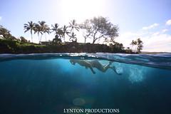 Zack over/under (Aaron Lynton) Tags: canon hawaii underwater snorkel turtle 5 diving maui graves snorkeling caves turtles freediving 7d honu spl makena freedive domeport 5graves 5caves lyntonproductions