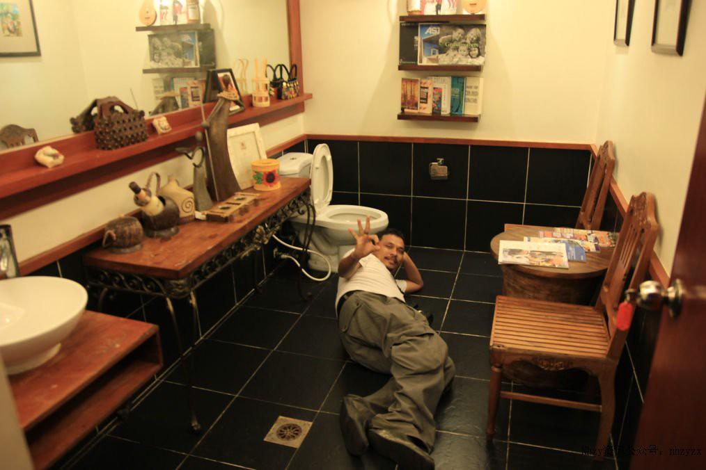 5Nền nhà sạch đến mức có thể nằm trực tiếp