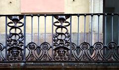 CRW_4198_barri-gotic-Barna (laura sayalero) Tags: españa window ventana spain balcony balkon catalonia finestra janela catalunya balcon espagne balcón cataluña balcone balkong varanda fönster balcó окно ウィンドウ балкон バルコニー παράθυρο μπαλκόνι fenetrê laurasayalero
