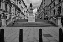 Clive Steps, King Charles Street (Gedmusic) Tags: bw statue zeiss steps clive 25mm batis captureone a7rii