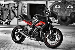 (Brice675) Tags: triumph daytona 675 motorbike street triple streettriple 675r ducati honda kawasaki aprilia yamaha suzuki noiretblanc noir et blanc graffiti art bokeh nikon