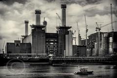 London Nov 2015 (7) 222 - Battersea Power Station developement (Mark Schofield @ JB Schofield) Tags: london river thames vauxhall chelsea england architecture city buildings bridge battersea power