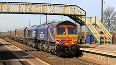 GBRf 66725 'Sunderland' (Richard Brothwell) Tags: canon diesel footbridge shed trains 66 lincolnshire monsters railways freight railroads sheds sunderland yingying class66 althorpe gbrailfreight keadby gbrf 66725 canoneos70d europorte althorpestation
