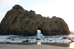 keyhole rock (naaandrea) Tags: sunset beach bigsur pch highway1 californiacoast pfeifferbeach keyholerock
