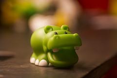 Hippo (Alvimann) Tags: verde green classic vintage toy kid child bokeh small rubber outoffocus hippo niño antiguo pequeño clasico juguete greenish hipopotamo verdoso alvimann pentaconprakticar135mm
