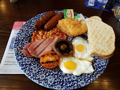Full English (The-Salfordian) Tags: wetherspoons breakfast egg bacon mushroom ausages sausages tomata beans harsh browns toast butter