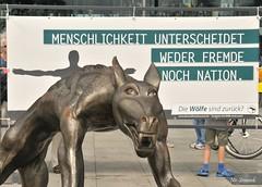 Die Wlfe sind zurck (Simpel1) Tags: germany berlin mitte diewlfesindzurck exhibition nikon nikond300 raineropolka hauptbahnhof 2016