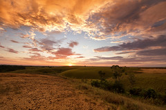 Atardecer en los llanos (creyesk) Tags: sunset macarena caocristales colorful atardecer meta colombia travel