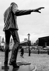 Billy Fury are still rocking at Albert Dock, Liverpool (Torbjrn Tiller) Tags: billyfury liverpool albertdock statue rocking rockstar liverbuilding