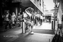 MONO3217 (H.M.Lentalk) Tags: summilux summiluxm 28mm 28 f14 14 114 11428 oz aussie australia australian street sydney black white people urban life city asph monochrome m typ 246