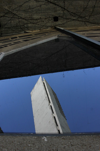 """Undurchsichtiges Fenster • <a style=""""font-size:0.8em;"""" href=""""http://www.flickr.com/photos/69570948@N04/17058380910/"""" target=""""_blank"""">Auf Flickr ansehen</a>"""