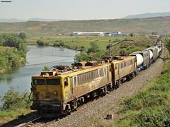 269+269 (firedmanager) Tags: train tren locomotive mitsubishi locomotora japonesas ferrocarril freighttrain renfe trena larioja 269 renfemercancías