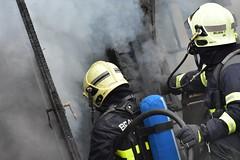 Dsc_2641 (NEuFa) Tags: pompiers brandweer vigili del fuoco bomberos bombers bombeiros fire falck brigade department service incendie brand rouge rood red flamme departement feuerwehr belgium belgique belgie ghent gent gand