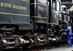 Engineer maintains Cass Shay #4 (goofyjim) Tags: west virginia railroad steam scenic locomotive cass shay